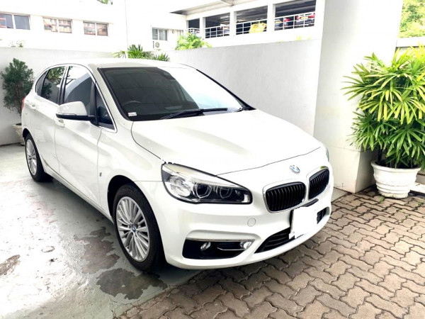 BMW 225Xe -Unregistered 2017